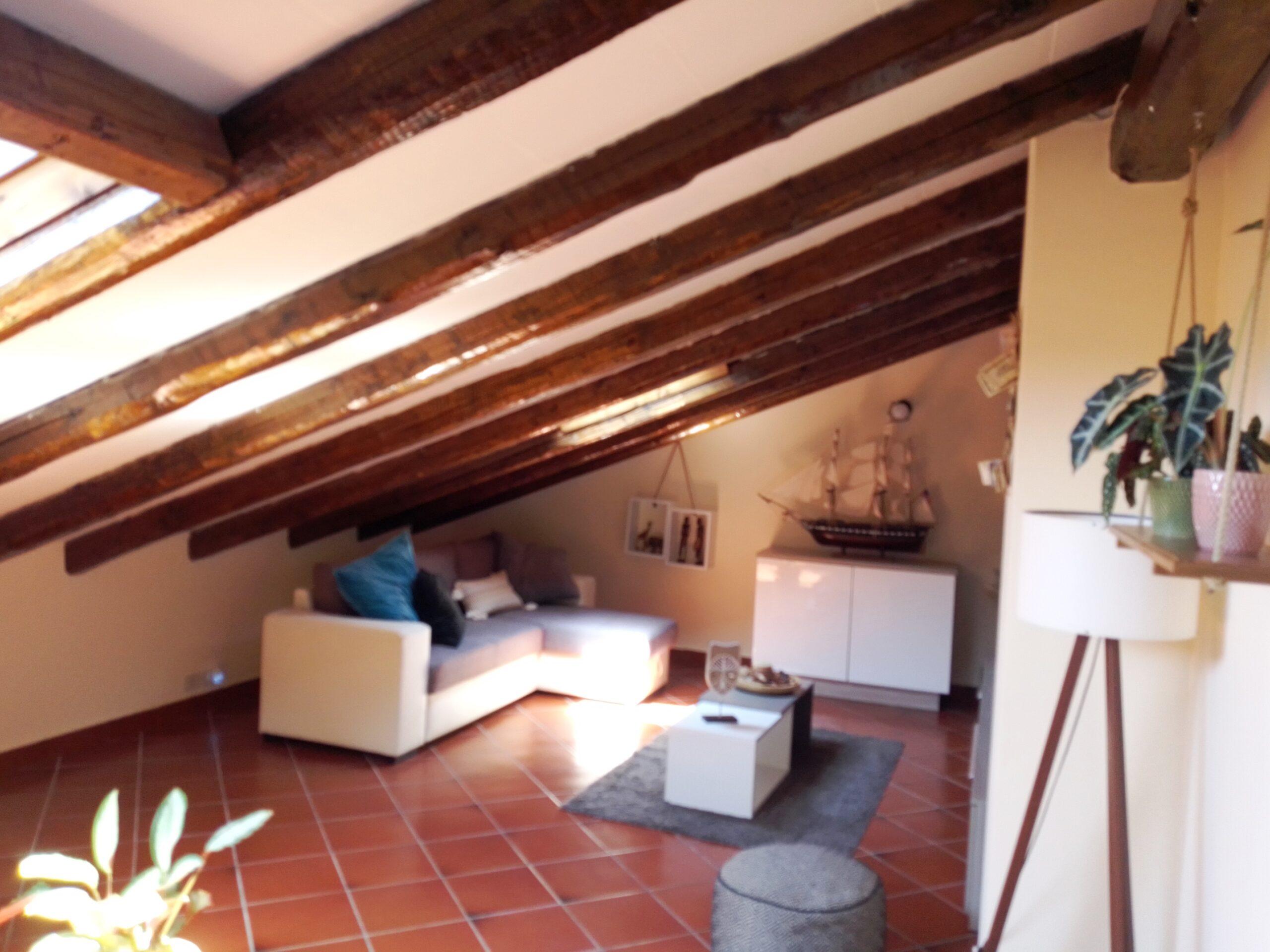 Acireale frazione Balatelle mansarda con  terrazzo